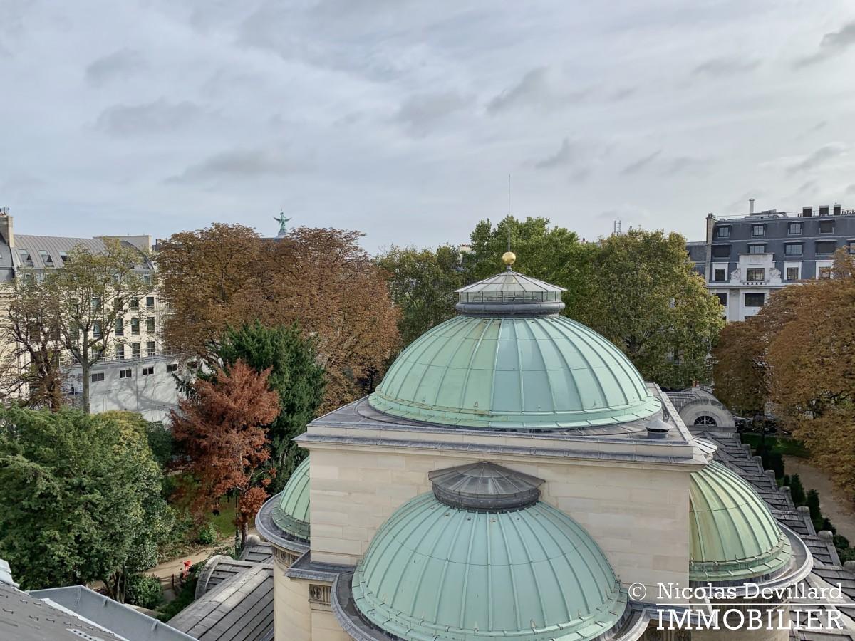MadeleineSt Augustin – Dernier étage, vue, calme et soleil – 75008 Paris (3)