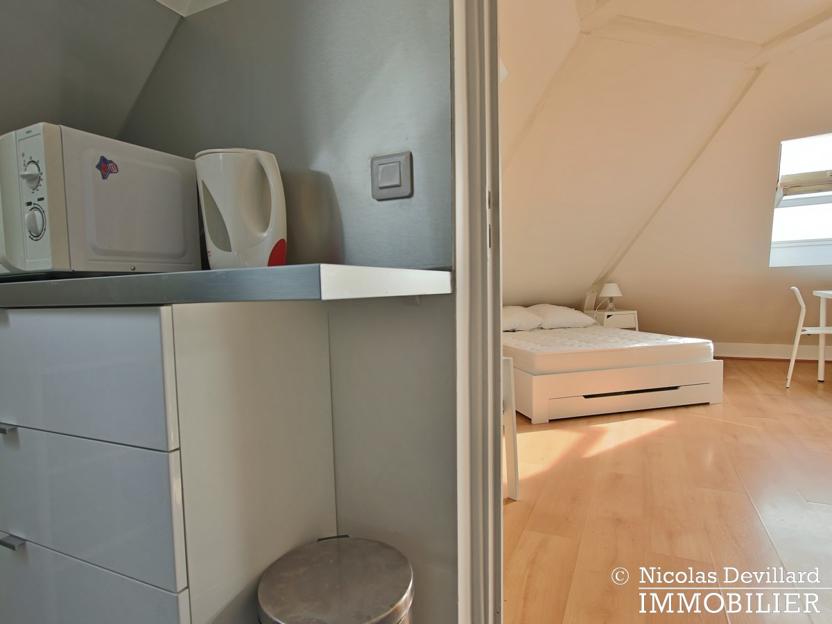 MadeleineSt Augustin – Dernier étage, vue, calme et soleil – 75008 Paris (6)