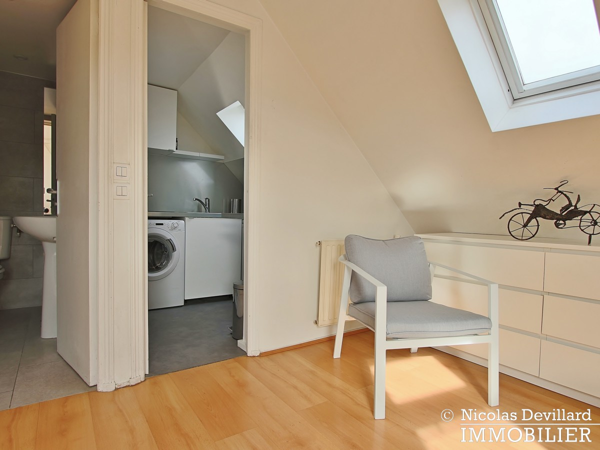 MadeleineSt Augustin – Dernier étage, vue, calme et soleil – 75008 Paris (7)