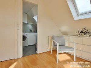 MadeleineSt Augustin – Dernier étage, vue, calme et soleil – 75008 Paris (8)