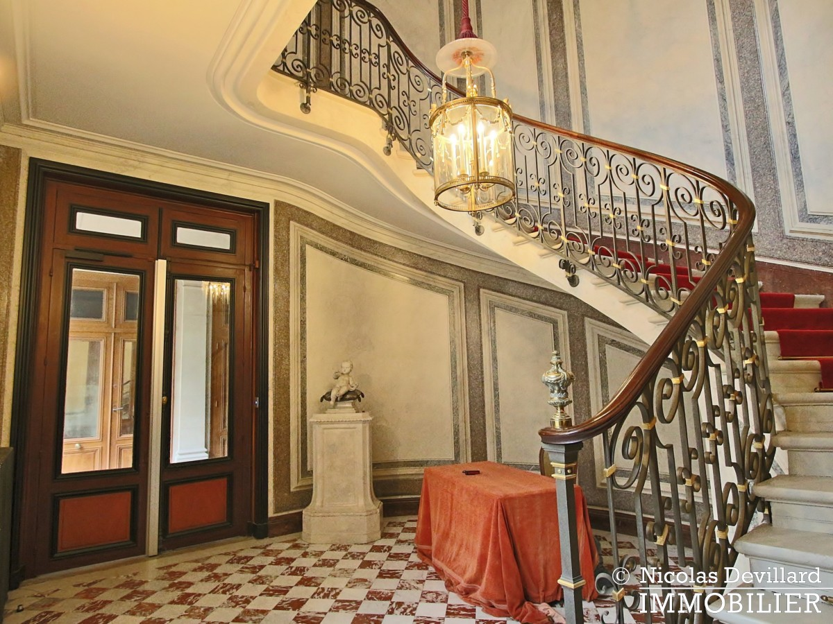 Avenue Montaigne – Somptueux appartement de réception avec terrasse – 75008 Paris (49)