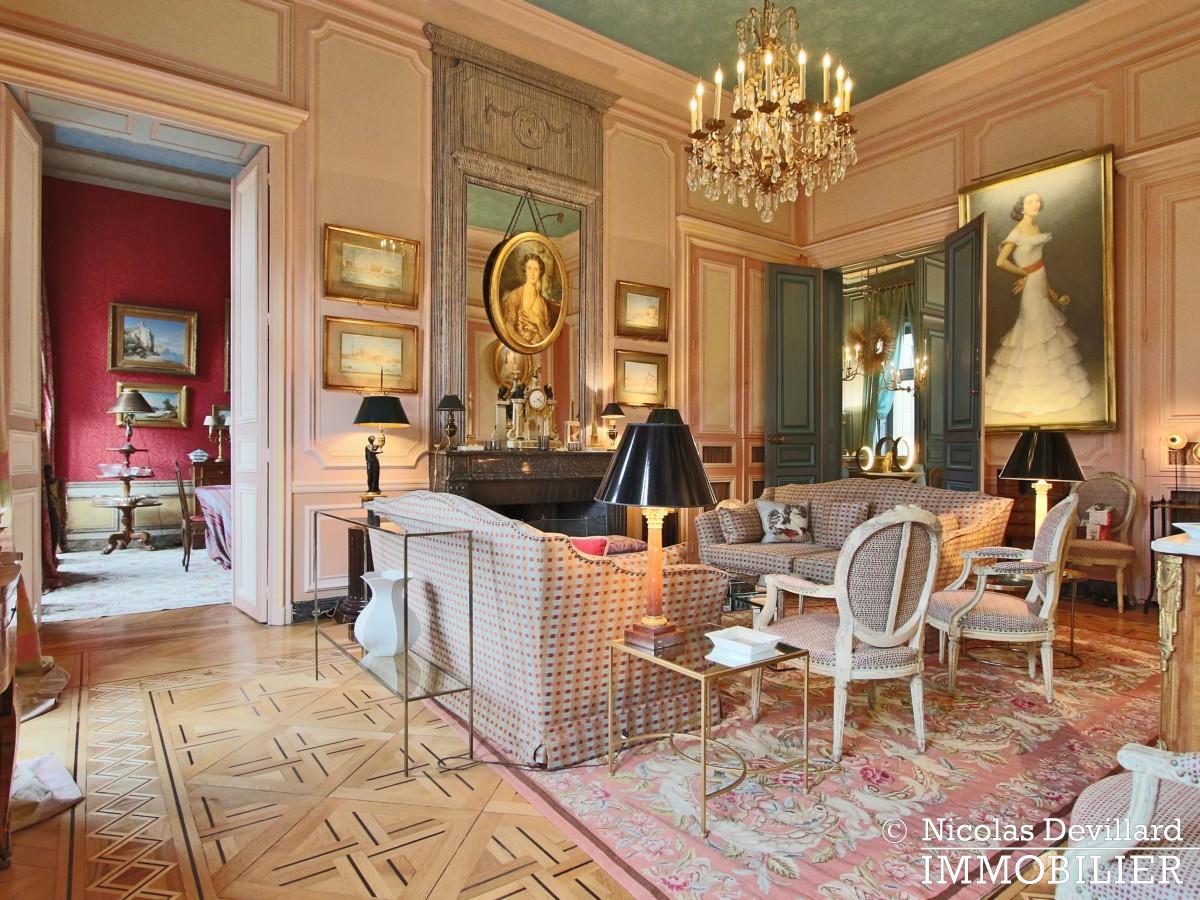 Avenue Montaigne – Somptueux appartement de réception avec terrasse – 75008 Paris (9)