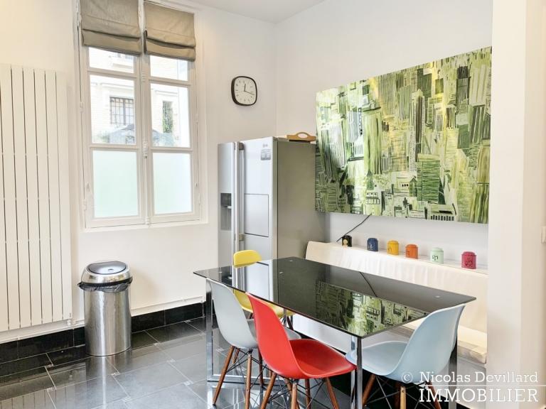 Saint-JamesBois – Somptueux hôtel particulier plein sud avec jardin – 92200 Neuilly-sur-Seine (51)