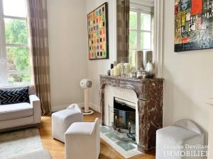 Saint JamesBois – Somptueux hôtel particulier plein sud avec jardin – 92200 Neuilly sur Seine (54)