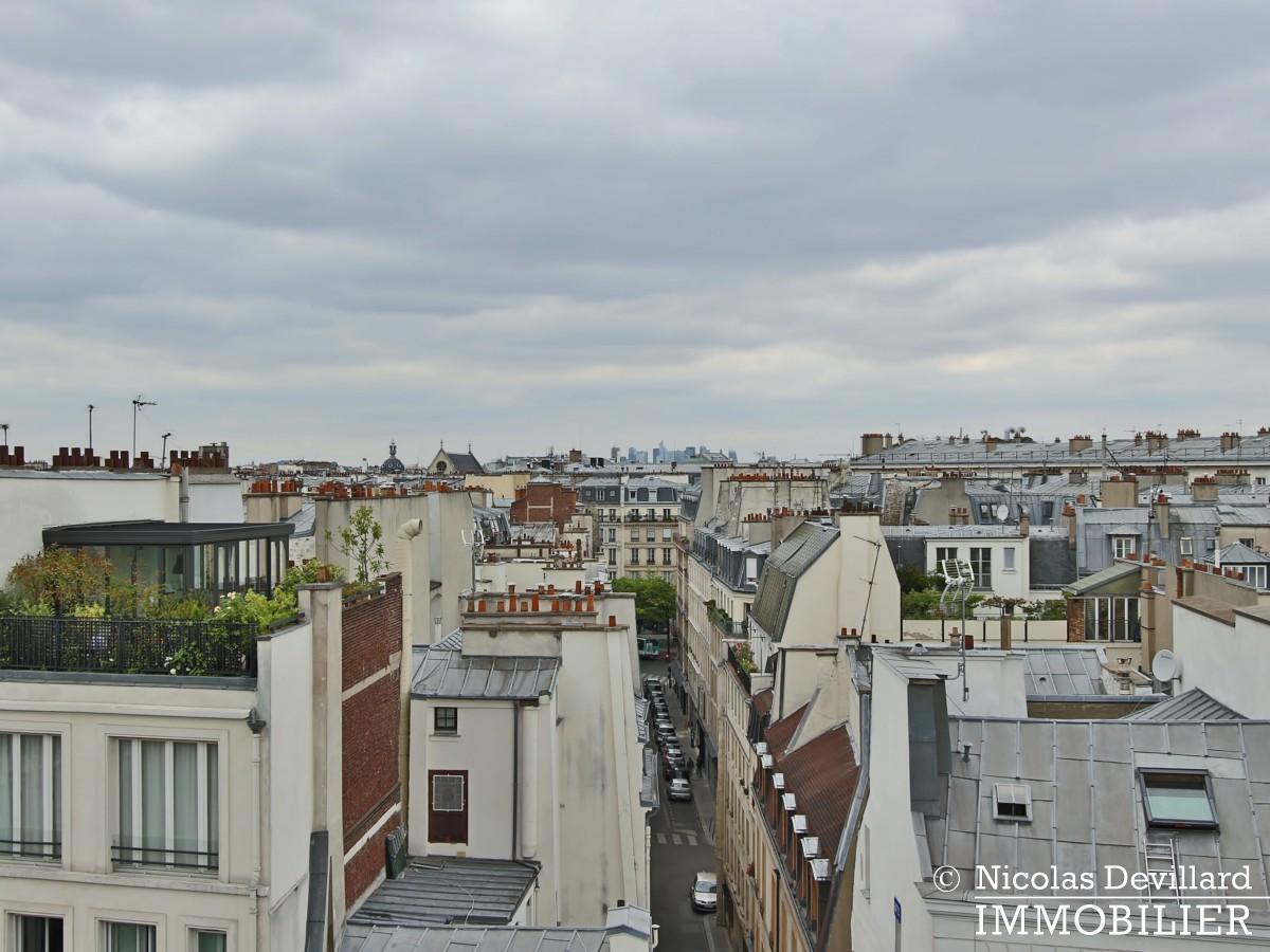 Haut MaraisSquare du Temple – Dernier étage rénové avec vue – 75003 Paris (13)