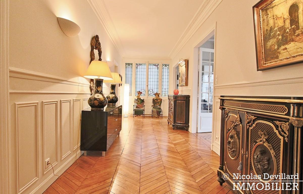Henri MartinBois – Elégant parisien de réception – 75116 Paris (22)