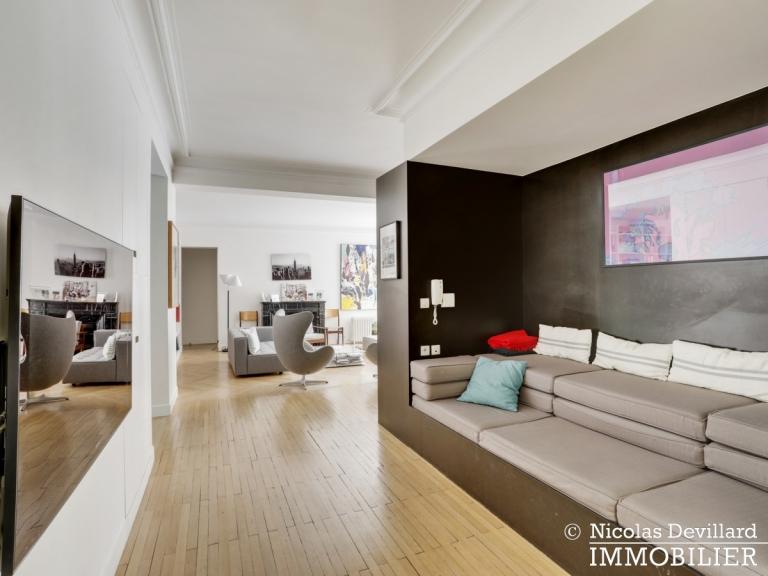 Champ de MarsSt-Dominique – Classique familial revisité par architecte – 75007 Paris (13)