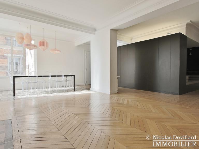 Champ de MarsSt-Dominique – Classique familial revisité par architecte – 75007 Paris (40)