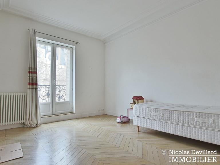 Champ de MarsSt-Dominique – Classique familial revisité par architecte – 75007 Paris (47)