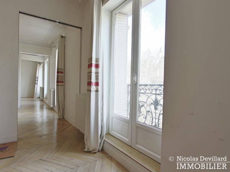 Champ de MarsSt-Dominique – Classique familial revisité par architecte – 75007 Paris (52)