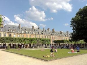 Haut Marais Comme une luxueuse suite 75003 Paris (21)