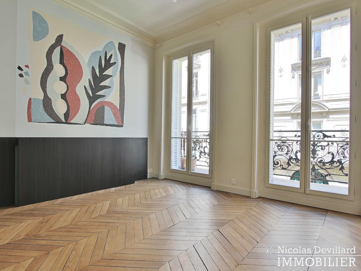 Parc MonceauTernes – Grand classique superbement rénové – 75008 Paris (23)