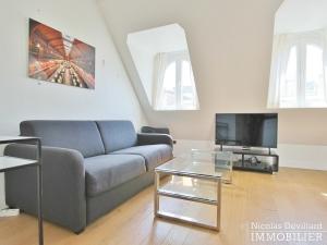 Triangle d'Or – Rénové, soleil, dernier étage et climatisation – 75008 Paris (11)