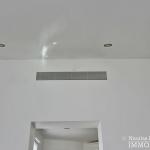 Triangle d'Or – Rénové, soleil, dernier étage et climatisation – 75008 Paris (13)