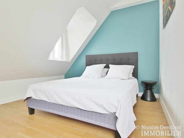 Triangle d'Or – Rénové, soleil, dernier étage et climatisation – 75008 Paris (17)