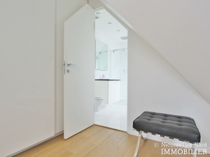 Triangle d'Or – Rénové, soleil, dernier étage et climatisation – 75008 Paris (20)