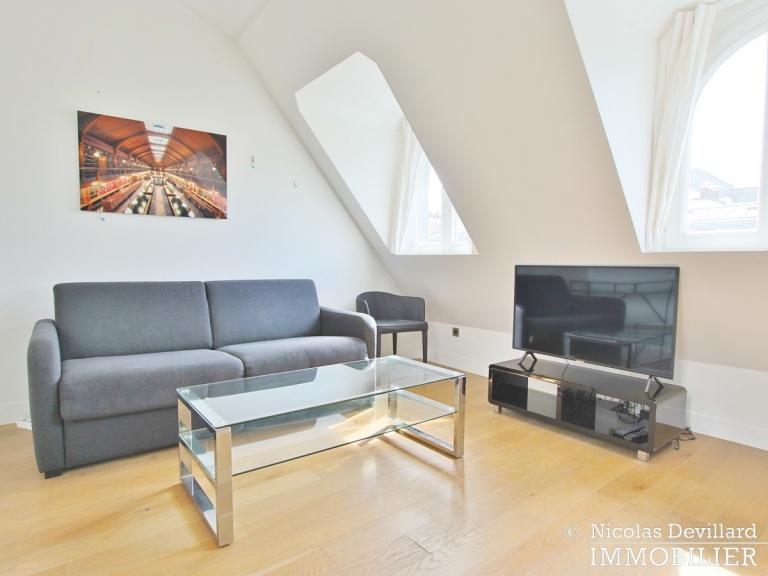 Triangle d'Or – Rénové, soleil, dernier étage et climatisation – 75008 Paris (7)