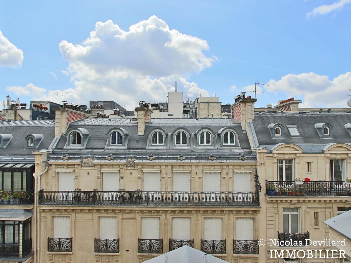 Triangle d'Or – Rénové, soleil, dernier étage et climatisation – 75008 Paris (9)