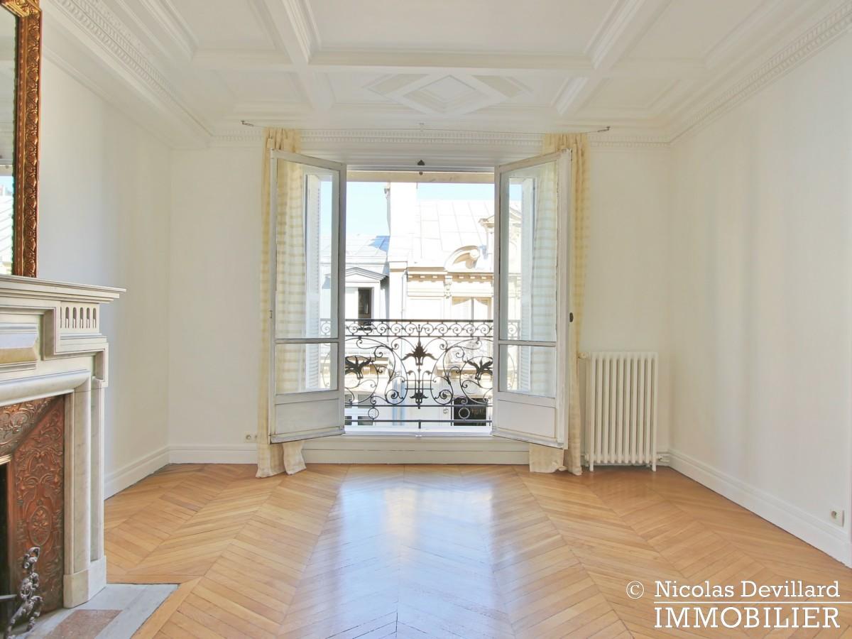 KléberVictor Hugo – Classique parisien familial en étage élevé – 75116 Paris (22)
