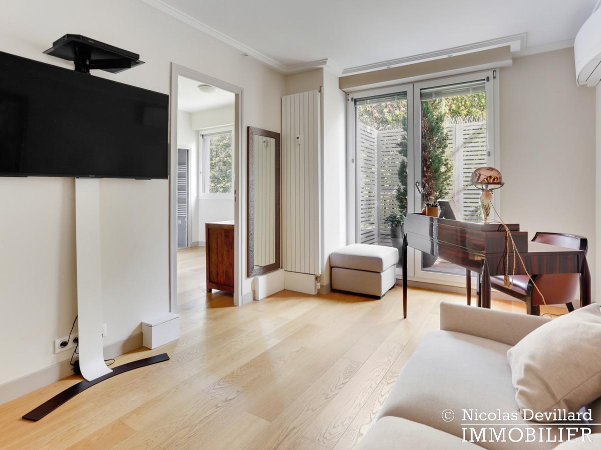 Victor Hugo – Penthouse terrasses dernier étage dans voie privée – 75116 Paris (11)