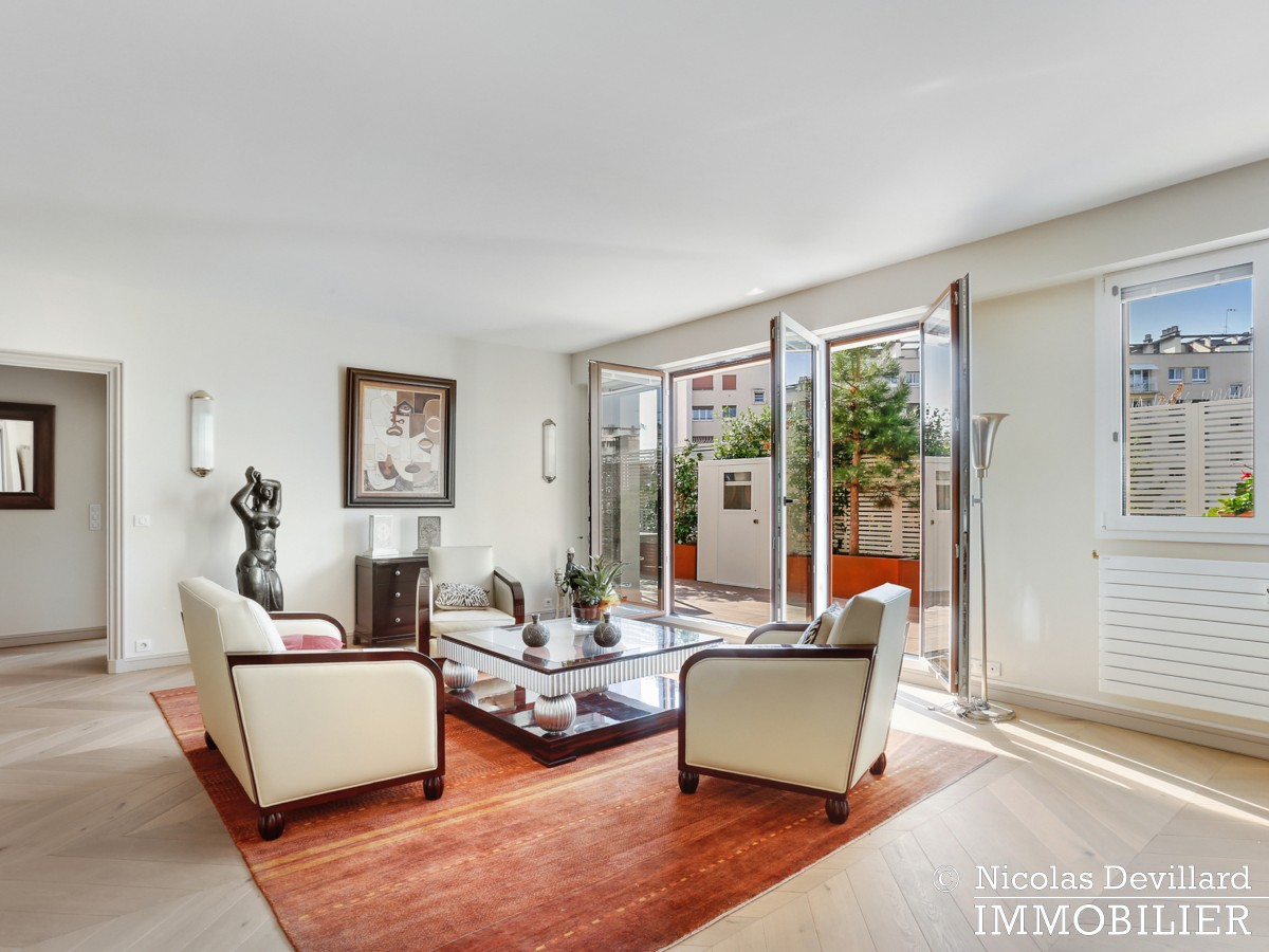 Victor Hugo – Penthouse terrasses dernier étage dans voie privée – 75116 Paris (23)