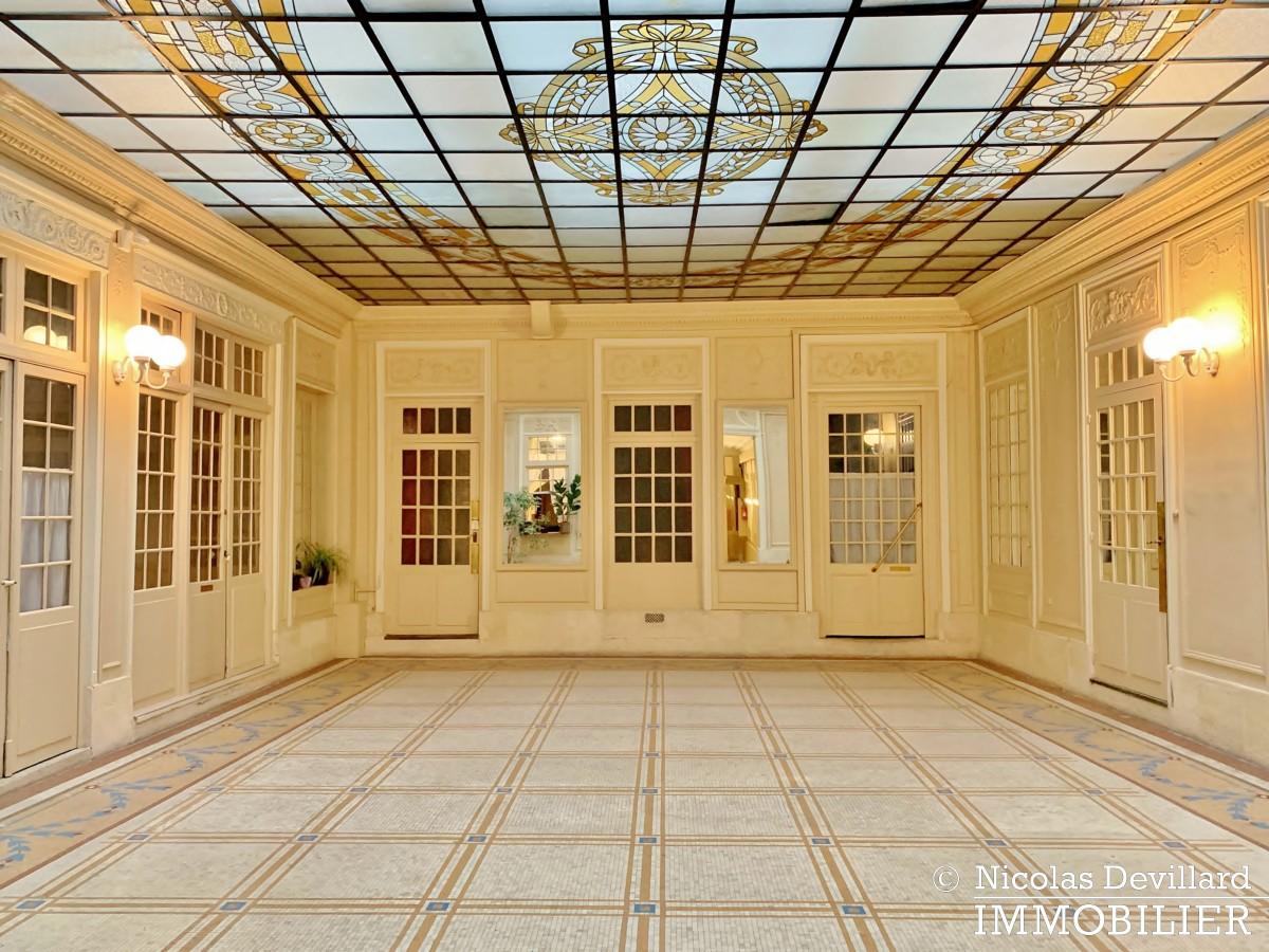 Palais RoyalSaint Honoré – Dernier étage rénové, calme et charme – 75001 Paris (2)