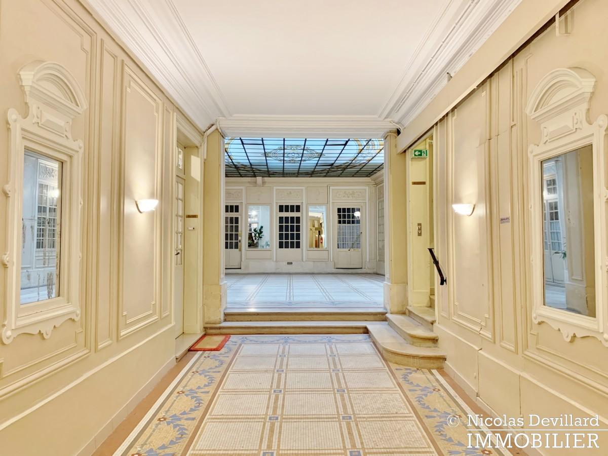 Palais RoyalSaint Honoré – Dernier étage rénové, calme et charme – 75001 Paris (3)