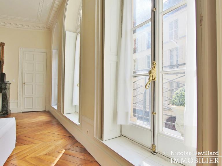 Rue du BacSèvres-Babylone – Caractère, volumes et lumière – 75007 Paris (19)