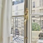 Rue du BacSèvres Babylone – Caractère, volumes et lumière – 75007 Paris (26)