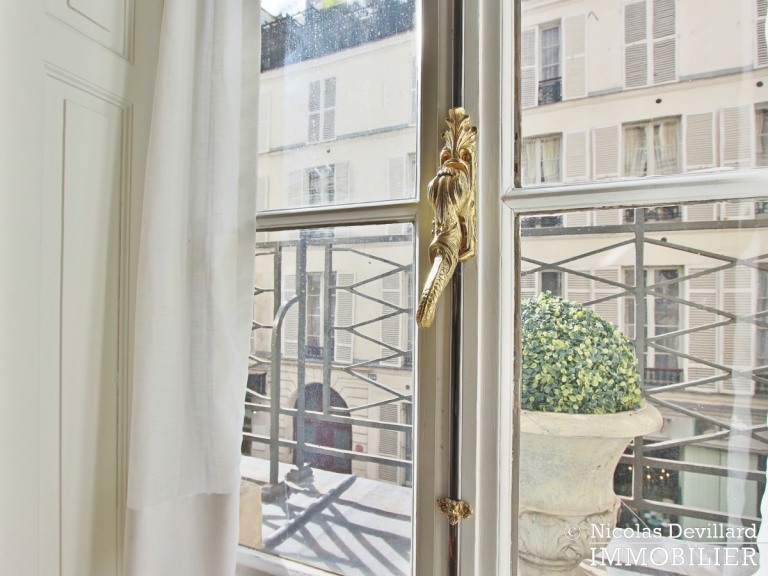 Rue du BacSèvres-Babylone – Caractère, volumes et lumière – 75007 Paris (26)