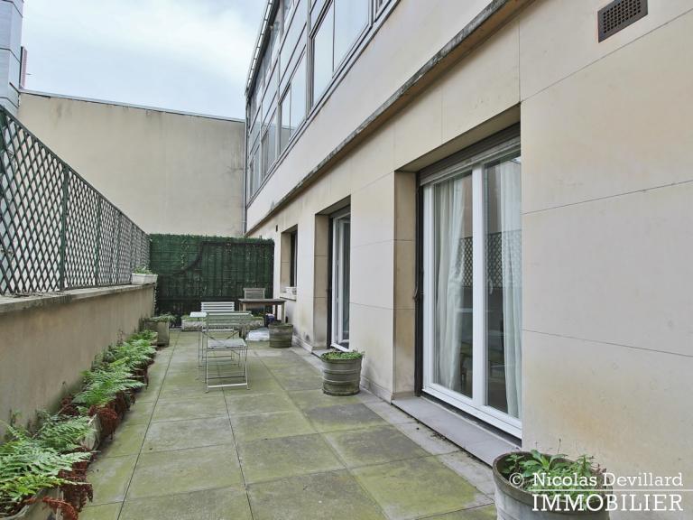 Triangle d'orGeorge V – Pied-à-terre au calme avec terrasse – 75008 Paris (13)