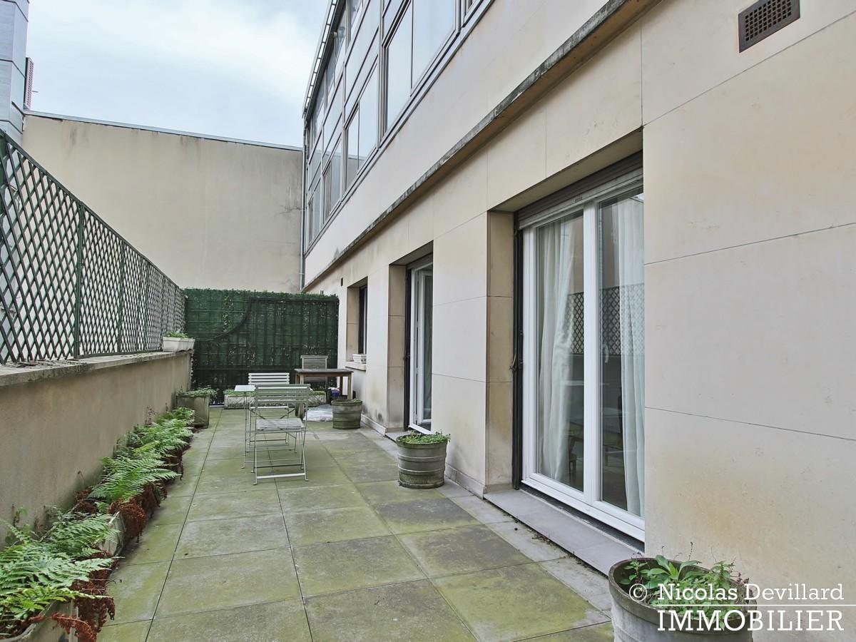 Triangle d'orGeorge V – Pied à terre au calme avec terrasse – 75008 Paris (13)