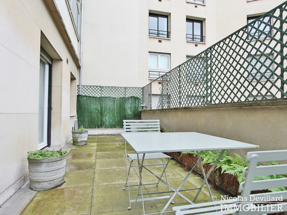 Triangle d'orGeorge V – Pied à terre au calme avec terrasse – 75008 Paris (24)