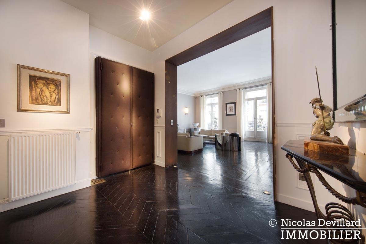 George VMarbeuf – Somptueux appartement de réception avec 2 grandes suites – 75008 Paris (16)