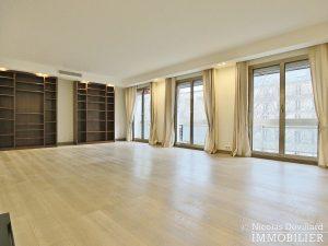 MarceauChaillot – Grand salon, double exposition et balcons 75008 Paris (1)