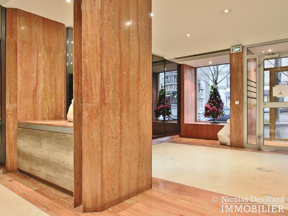MarceauChaillot – Grand salon, double exposition et balcons 75008 Paris (20)