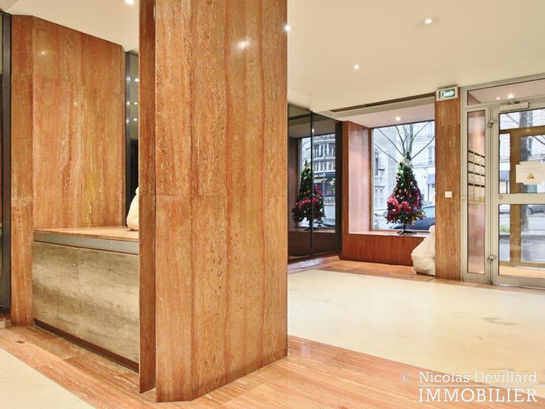 MarceauChaillot – Grand salon, vue et balcons - 75008 Paris (1)