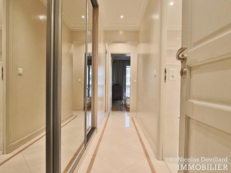 MarceauChaillot – Grand salon, vue et balcons - 75008 Paris (12)