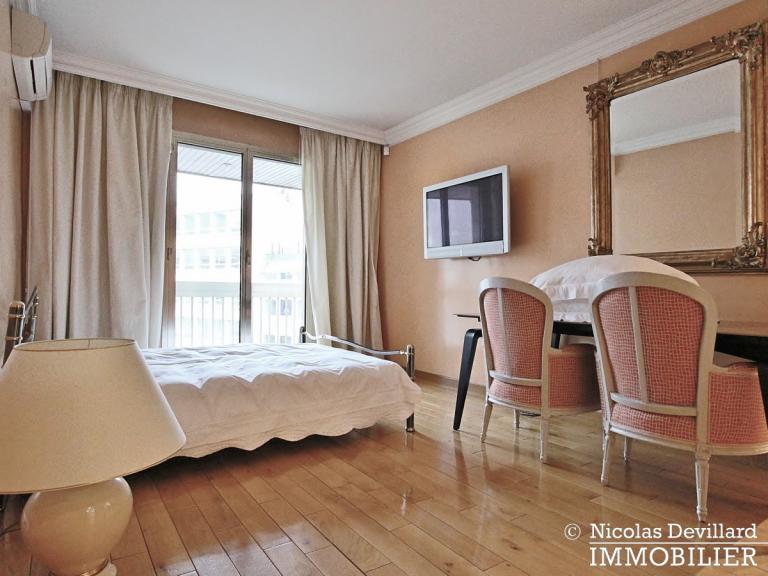 MarceauChaillot – Grand salon, vue et balcons - 75008 Paris (14)