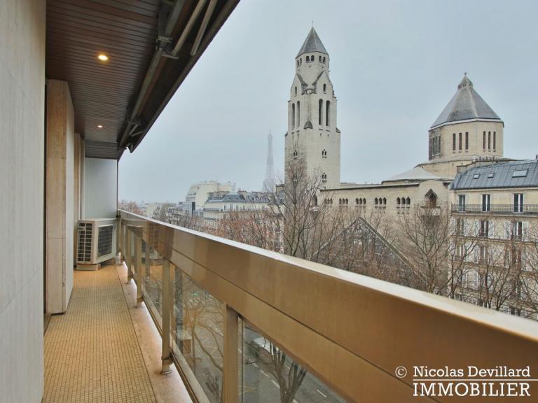 MarceauChaillot – Grand salon, vue et balcons - 75008 Paris (5)