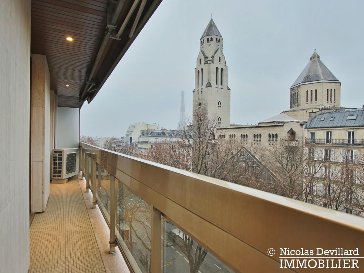 MarceauChaillot – Grand salon, vue et balcons 75008 Paris (5)