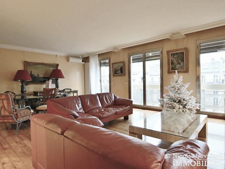 MarceauChaillot – Grand salon, vue et balcons - 75008 Paris (7)