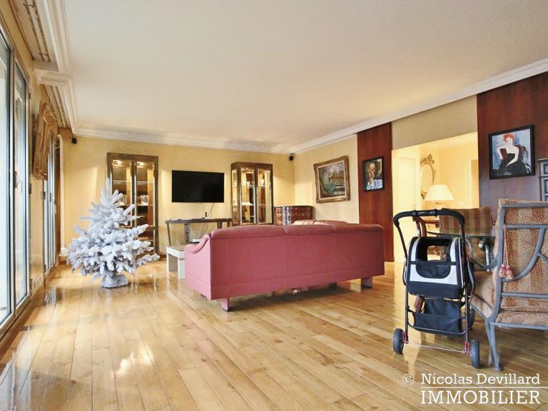 MarceauChaillot – Grand salon, vue et balcons - 75008 Paris (8)