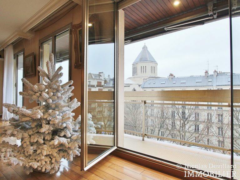 MarceauChaillot – Grand salon, vue et balcons - 75008 Paris (9)