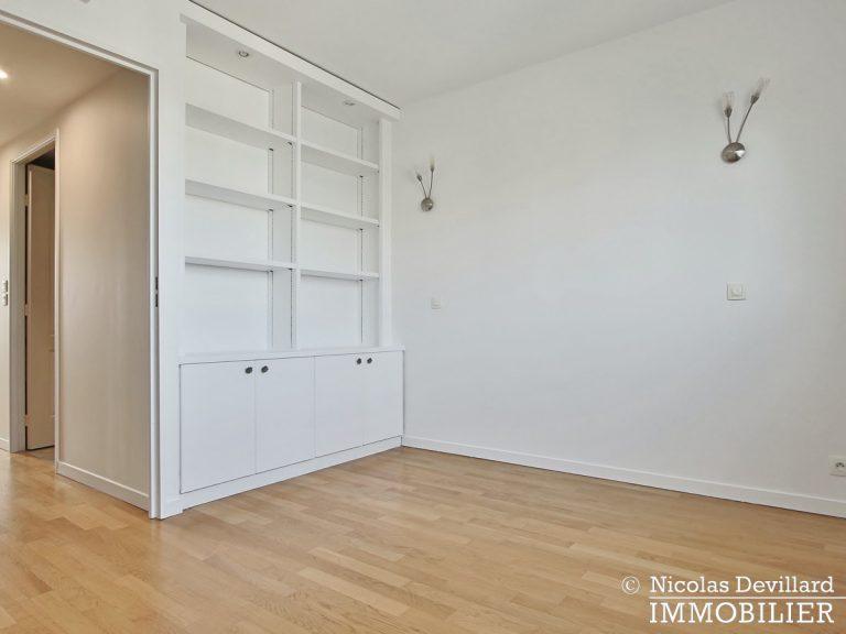 Mairie – Penthouse dernier étage terrasses plein soleil – 92130 Issy-lès-Moulineaux (33)