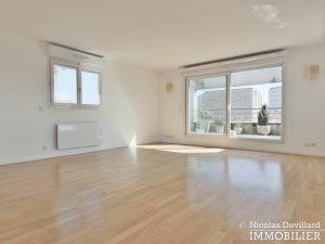 Mairie – Penthouse dernier étage terrasses plein soleil – 92130 Issy lès Moulineaux (37)