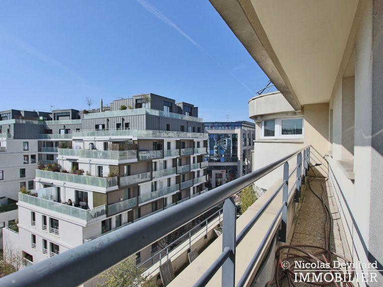 Mairie – Penthouse dernier étage terrasses plein soleil – 92130 Issy-lès-Moulineaux (43)