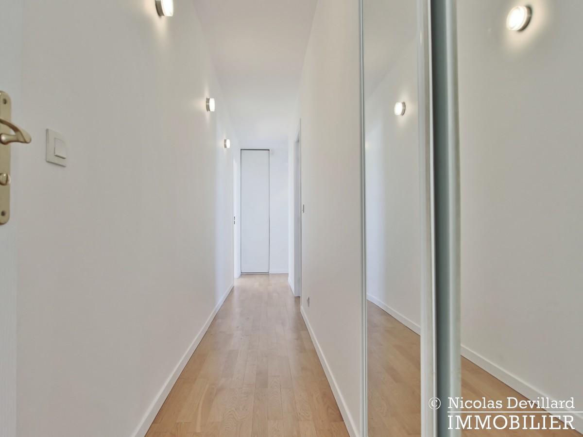 Mairie – Penthouse dernier étage terrasses plein soleil – 92130 Issy lès Moulineaux (44)