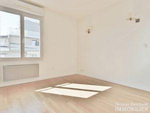 Mairie – Penthouse dernier étage terrasses plein soleil – 92130 Issy lès Moulineaux (63)
