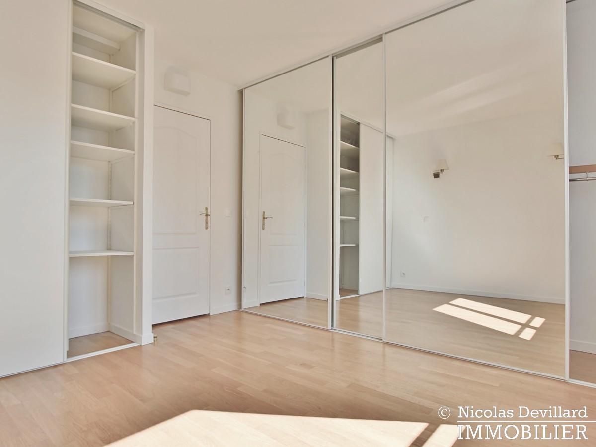 Mairie – Penthouse dernier étage terrasses plein soleil – 92130 Issy lès Moulineaux (64)
